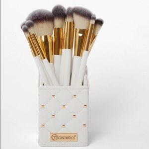 Bh Cosmetics White Studded Elegance Brush Set BNIB